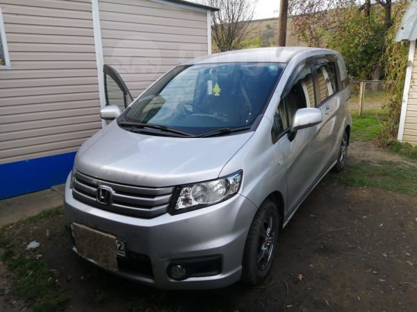 Honda Freed Spike, 2010 год, 620 000 руб.