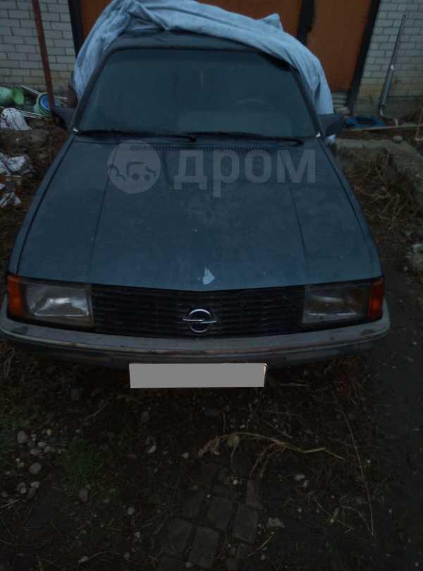 Opel Rekord, 1981 год, 90 000 руб.