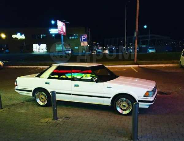 Toyota Crown, 1986 год, 305 000 руб.