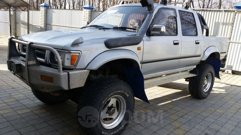 Toyota Hilux Pick Up, 1993 год, 850 000 руб.