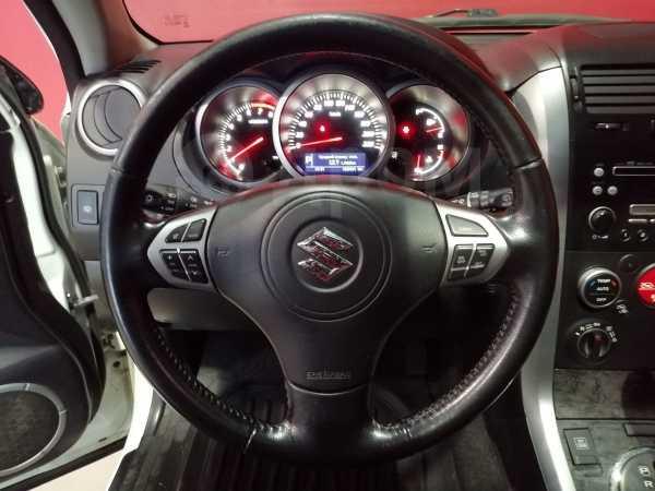 Suzuki Grand Vitara, 2011 год, 850 000 руб.