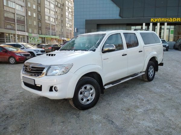 Toyota Hilux Pick Up, 2013 год, 1 187 000 руб.