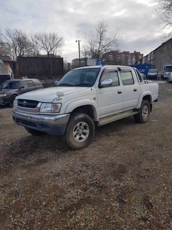 Toyota Hilux Pick Up, 2002 год, 750 000 руб.