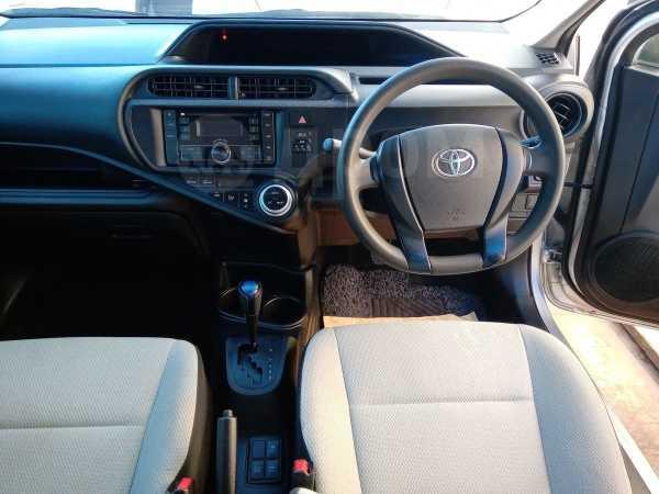 Toyota Aqua, 2015 год, 635 000 руб.