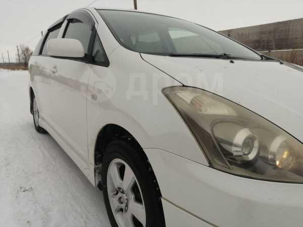 Toyota Wish, 2006 год, 585 000 руб.