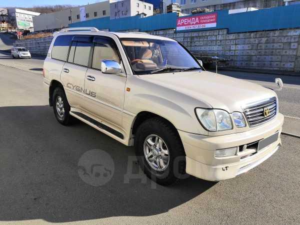 Toyota Land Cruiser Cygnus, 2003 год, 1 100 000 руб.