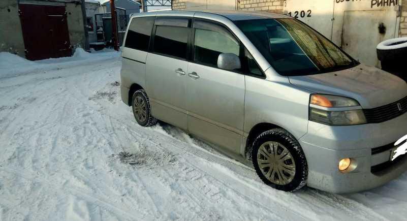 Toyota Voxy, 2006 год, 320 000 руб.