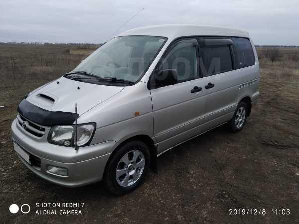 Toyota Town Ace Noah, 2000 год, 400 000 руб.