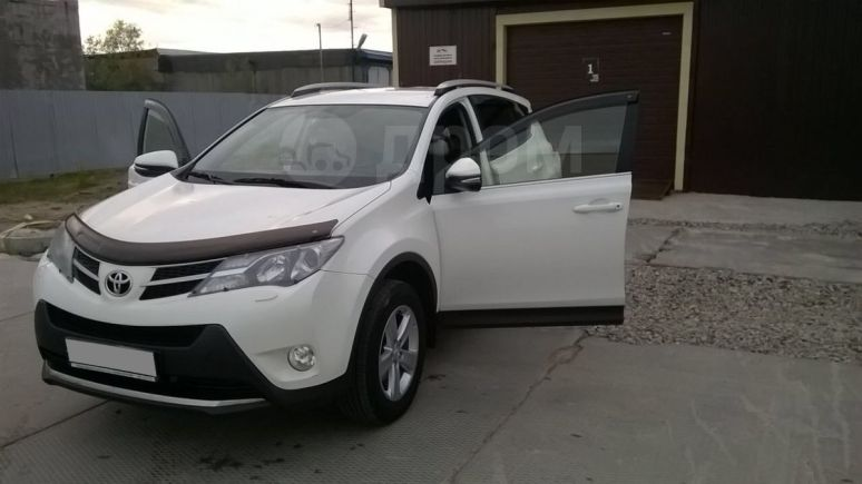 Toyota RAV4, 2014 год, 1 256 000 руб.