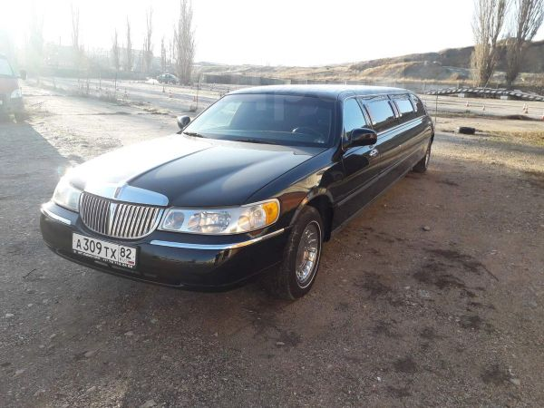 Lincoln Town Car, 2002 год, 800 000 руб.