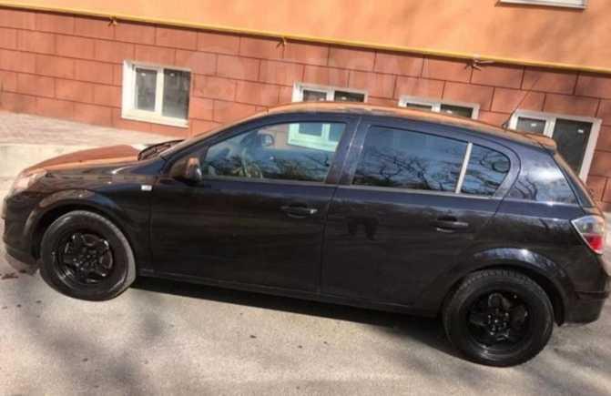 Opel Astra, 2011 год, 290 000 руб.