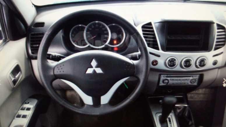 Mitsubishi L200, 2012 год, 795 000 руб.