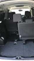 Toyota Voxy, 2015 год, 1 350 000 руб.