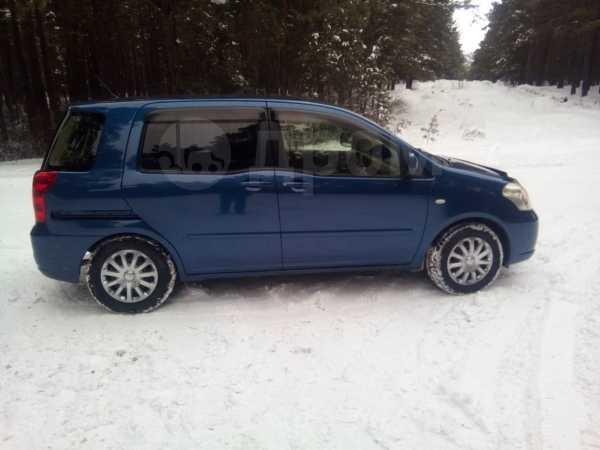 Toyota Raum, 2003 год, 330 000 руб.