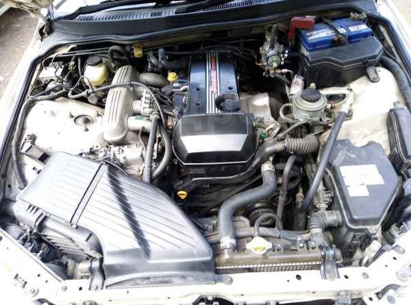 Toyota Altezza, 2002 год, 560 000 руб.