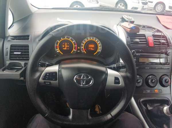Toyota Auris, 2012 год, 617 000 руб.