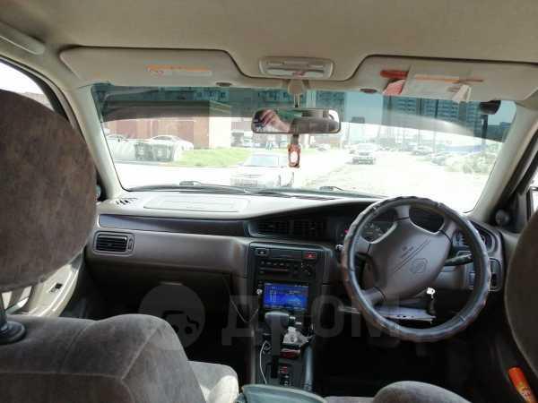Nissan Bluebird, 2001 год, 140 000 руб.