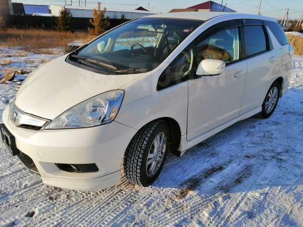 Honda Fit Shuttle, 2011 год, 585 000 руб.