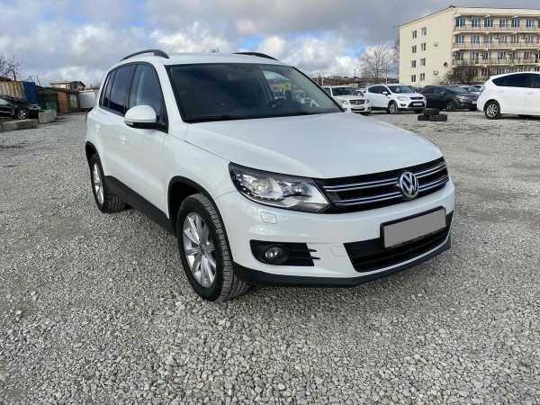 Volkswagen Tiguan, 2016 год, 1 010 000 руб.