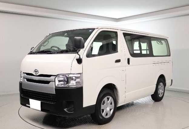 Toyota Hiace, 2017 год, 1 100 000 руб.