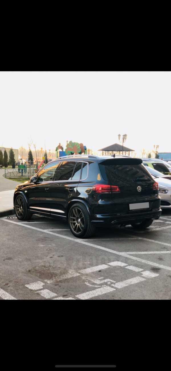 Volkswagen Tiguan, 2013 год, 1 090 000 руб.