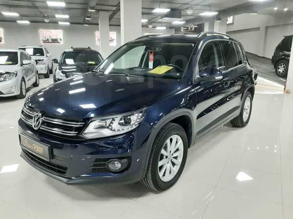 Volkswagen Tiguan, 2015 год, 880 000 руб.
