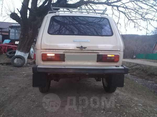 Лада 4x4 2121 Нива, 1982 год, 75 000 руб.