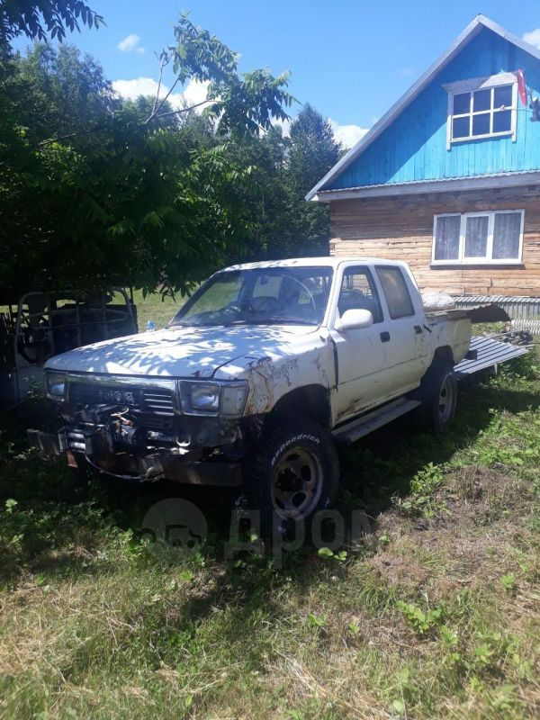 Toyota Hilux Pick Up, 1990 год, 80 000 руб.
