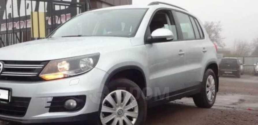 Volkswagen Tiguan, 2012 год, 658 000 руб.