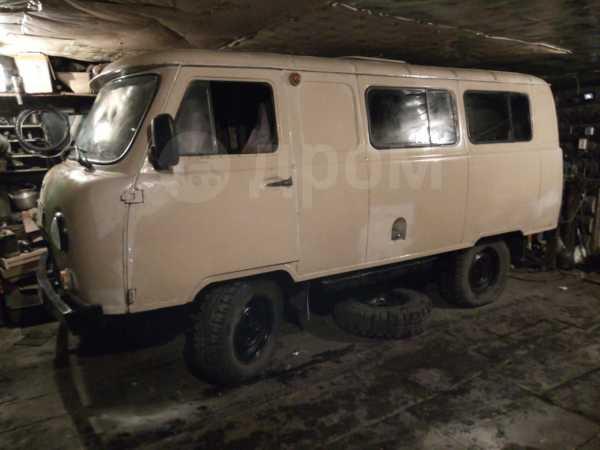 УАЗ Буханка, 1998 год, 240 000 руб.