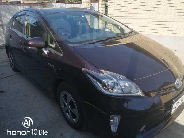 Toyota Prius, 2014 год, 980 000 руб.
