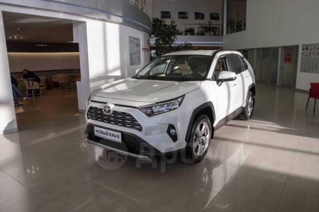 Toyota RAV4, 2019 год, 2 356 000 руб.