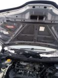 Nissan Tino, 2002 год, 260 000 руб.
