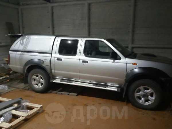 Nissan NP300, 2011 год, 820 000 руб.