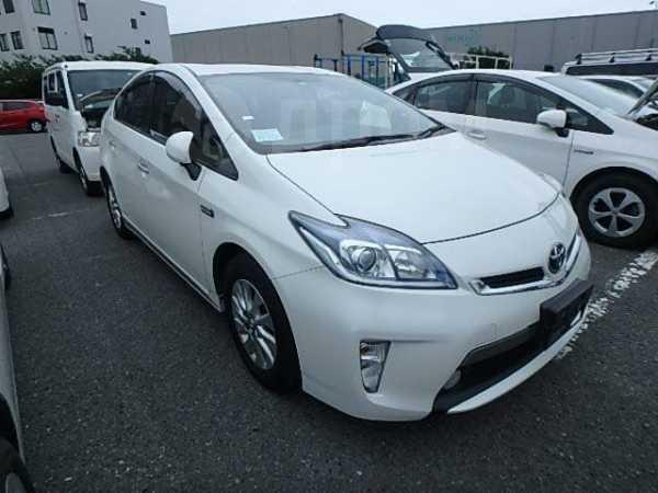 Toyota Prius PHV, 2014 год, 1 150 000 руб.