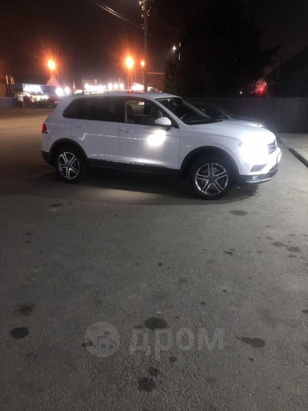 Volkswagen Tiguan, 2018 год, 1 820 000 руб.