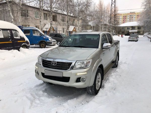 Toyota Hilux Pick Up, 2013 год, 1 389 000 руб.