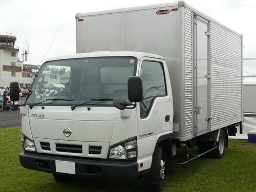 Nissan Atlas 2004 - 2006