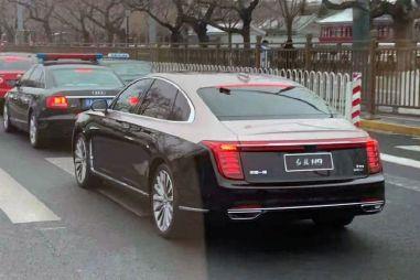 Новый Хунцы для богатых китайцев: первые фото салона и вида сзади