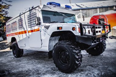 В России построили безумную «санитарку» на базе Toyota Mega Cruiser