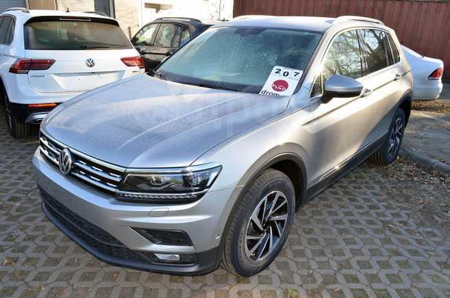 Volkswagen Tiguan, 2019 год, 1 980 000 руб.