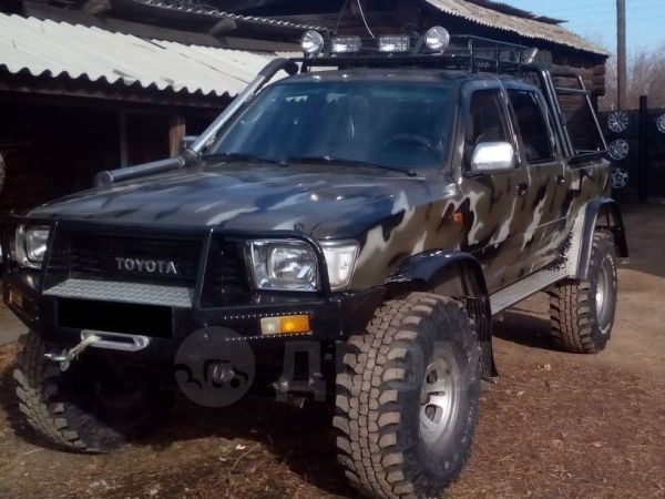 Toyota Hilux Pick Up, 1989 год, 500 000 руб.