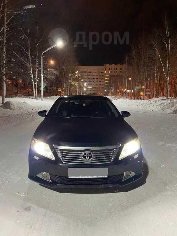 Toyota Camry, 2011 год, 899 000 руб.