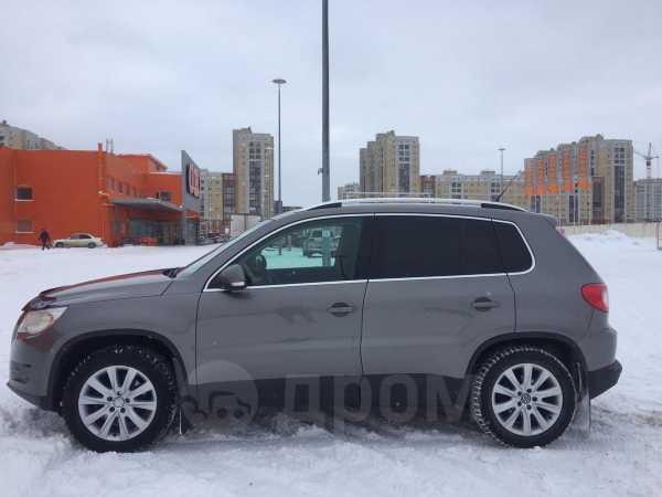 Volkswagen Tiguan, 2009 год, 610 000 руб.