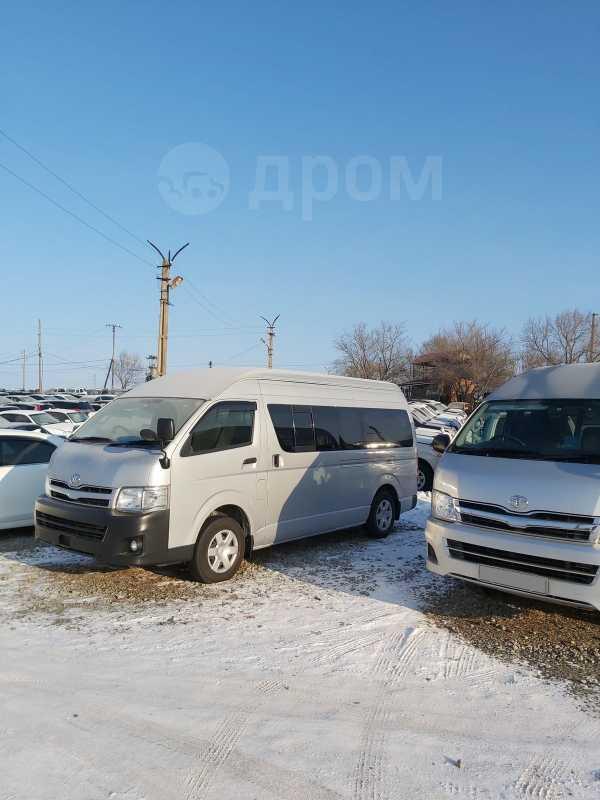 Toyota Hiace, 2012 год, 1 675 000 руб.
