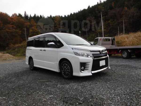 Toyota Voxy, 2016 год, 852 000 руб.