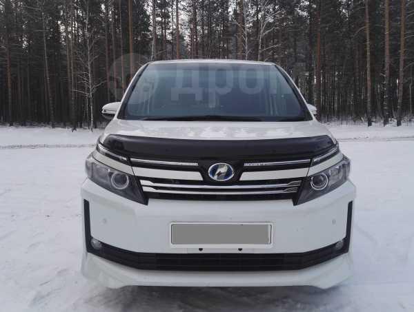 Toyota Voxy, 2014 год, 1 149 000 руб.