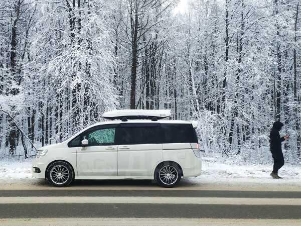 Honda Stepwgn, 2010 год, 950 000 руб.