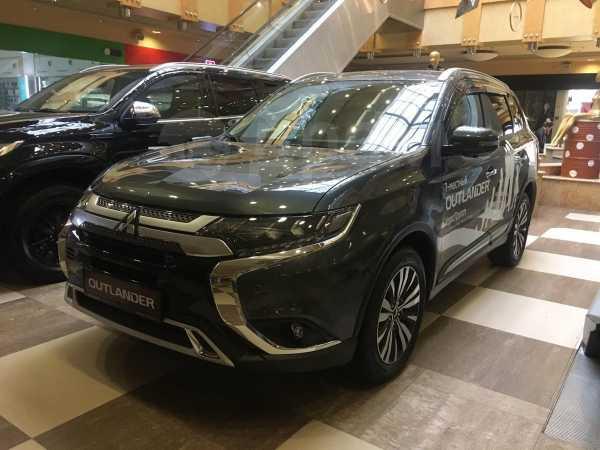Mitsubishi Outlander, 2019 год, 2 388 000 руб.