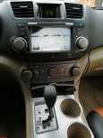 Toyota Highlander, 2009 год, 980 000 руб.